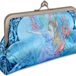 Mermaids-clutch-back700small